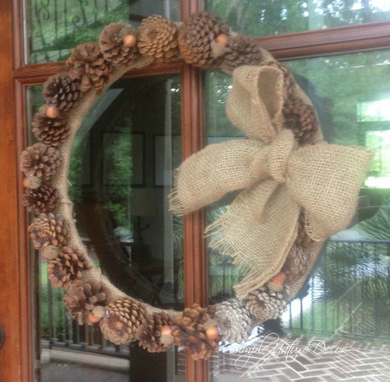 easy to make pinecone wreath