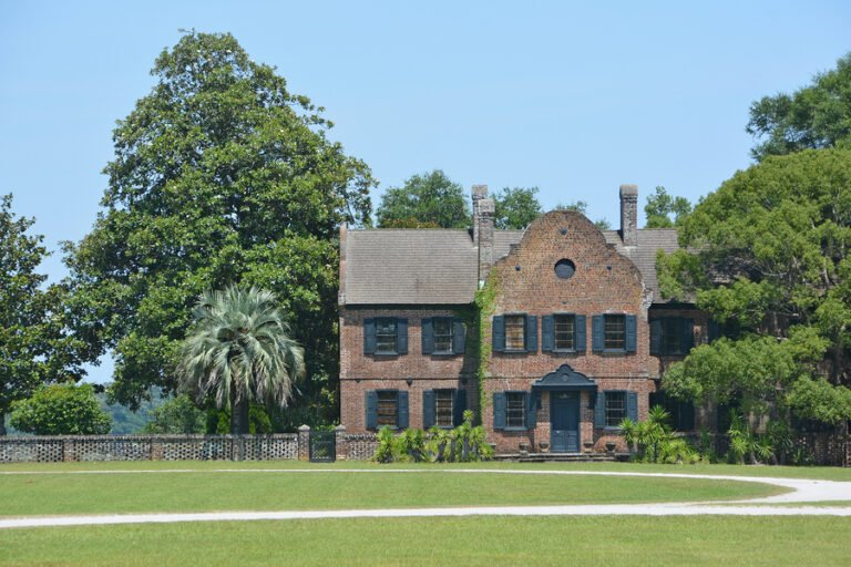 Go Back In Time and Visit 6 Historical Homes Near Charleston