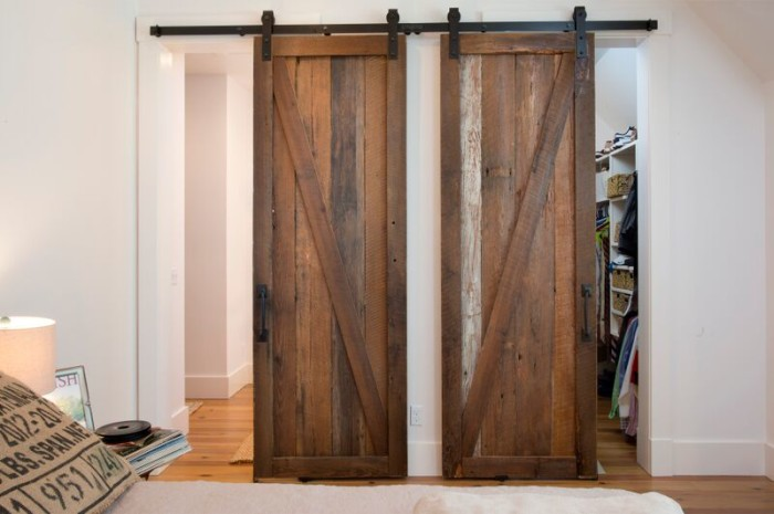 lighhouse barn doors 2