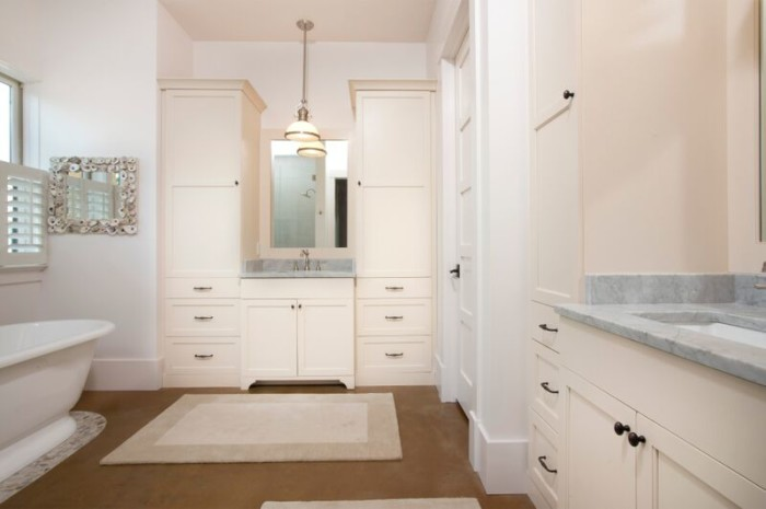 lighhouse master bath 2