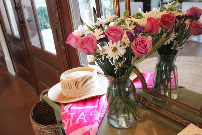 vera wang roses, daisies