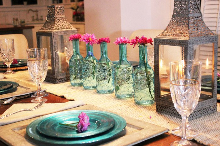 Turquoise Table Setting Perfect For Spring Dinner