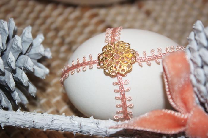 jewlel easter egg centerpiece