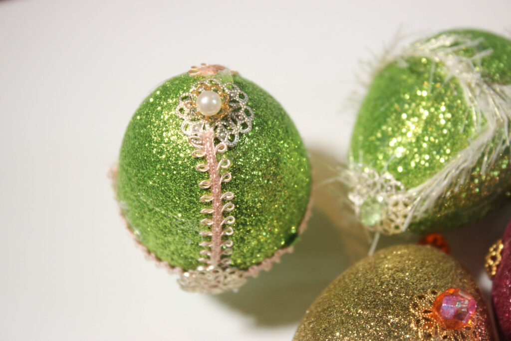 pearls on Easter eggs:How To Make Jeweled Easter Eggs