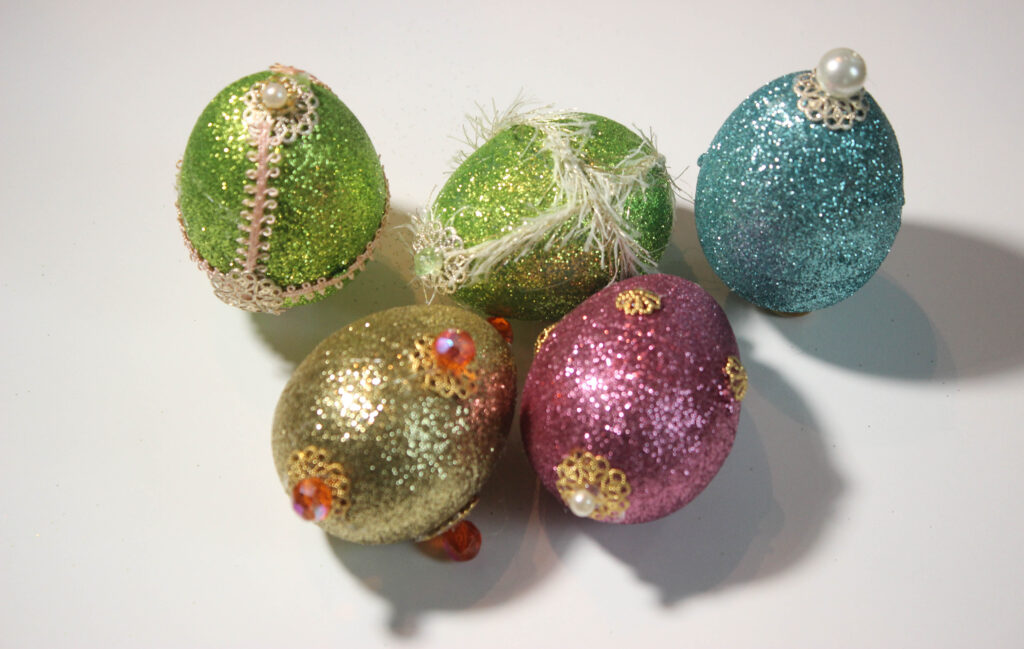 jeweled on Easter eggs:How To Make Jeweled Easter Eggs