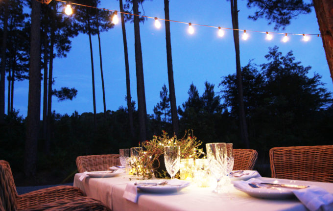 http://www.simplenaturedecorblog.com/summer-barbecue-outdoor-dinner-party-ideas/