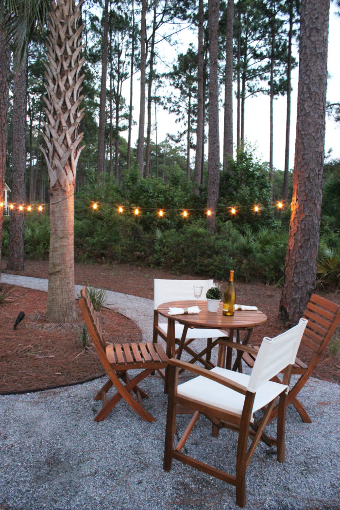 OUTDOOR ENTERTAINING SPACE: chic, classic and relaxing