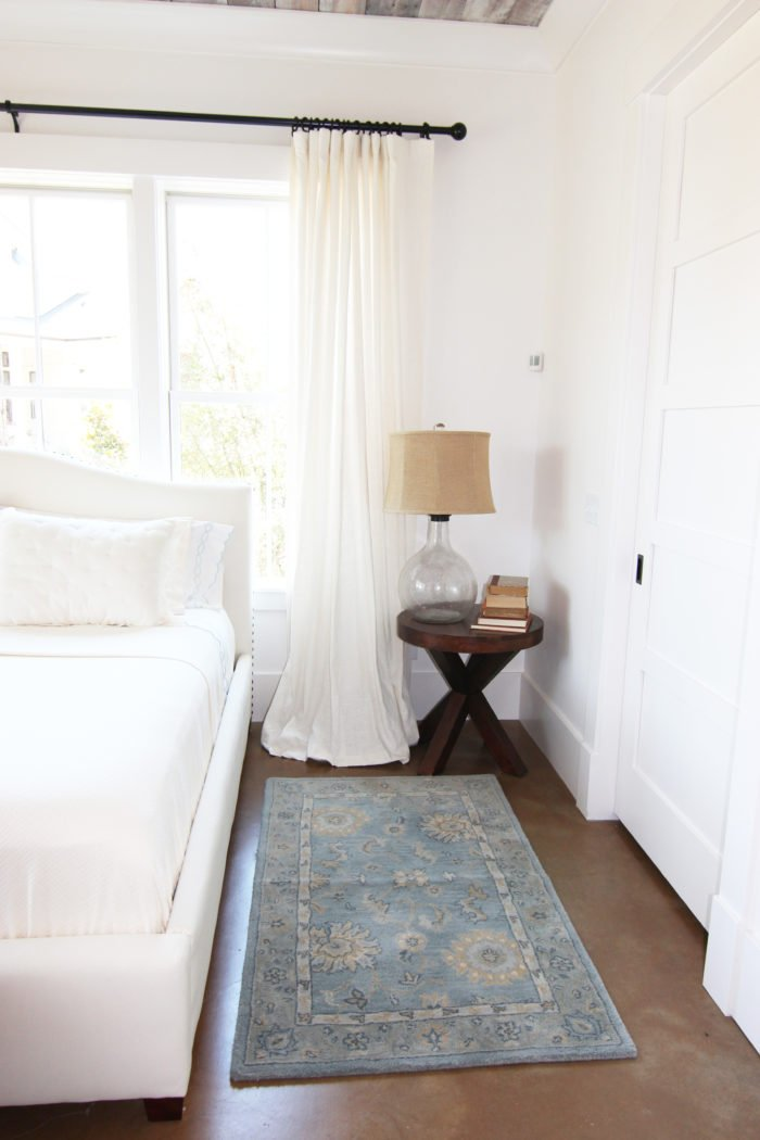 GET THE LOOK:WHITE LINEN DRAPES
