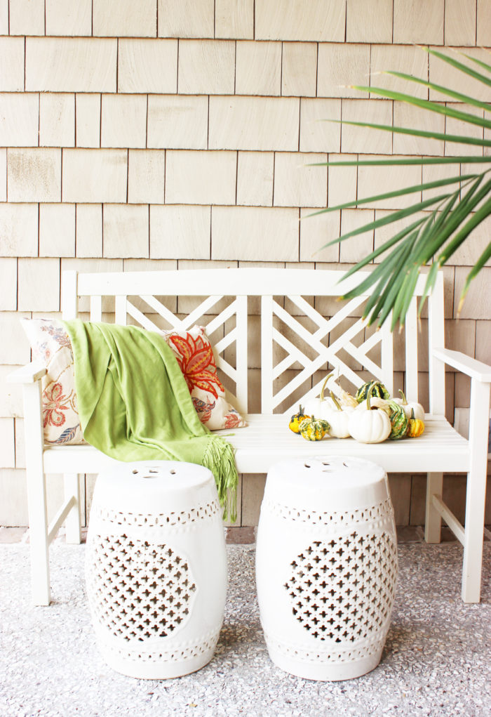 fall bench: 7 simple ideas for a bright and cozy front porch.