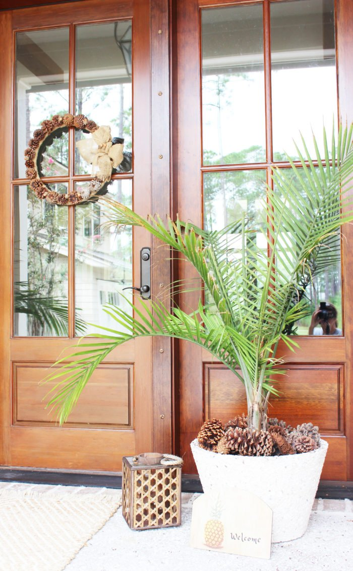 fall front door: 7 simple ideas for a bright and cozy front porch.