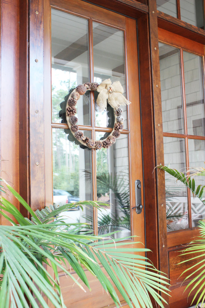 Easy Pine Cone Wreath