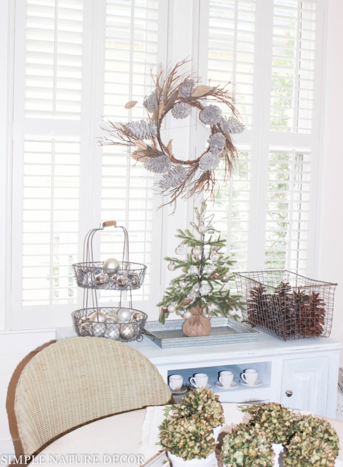 How To Make A Little Cottage Smile For The Holidays