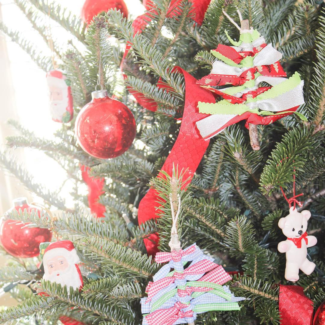 Create a Christmas tree ornament with twigs and ribbon YouTubehellip
