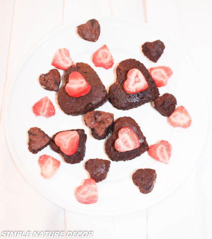 Valentine brownie with strawberries:Valentine's day brunch