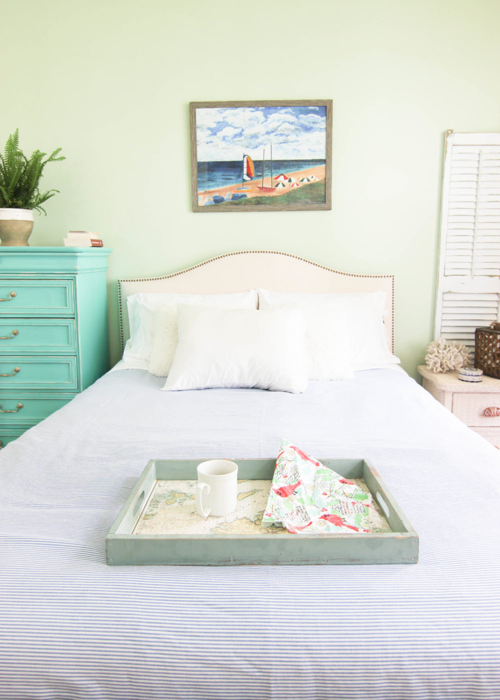 5 Ways to make your Bedroom Coastal and Comfy For the Spring