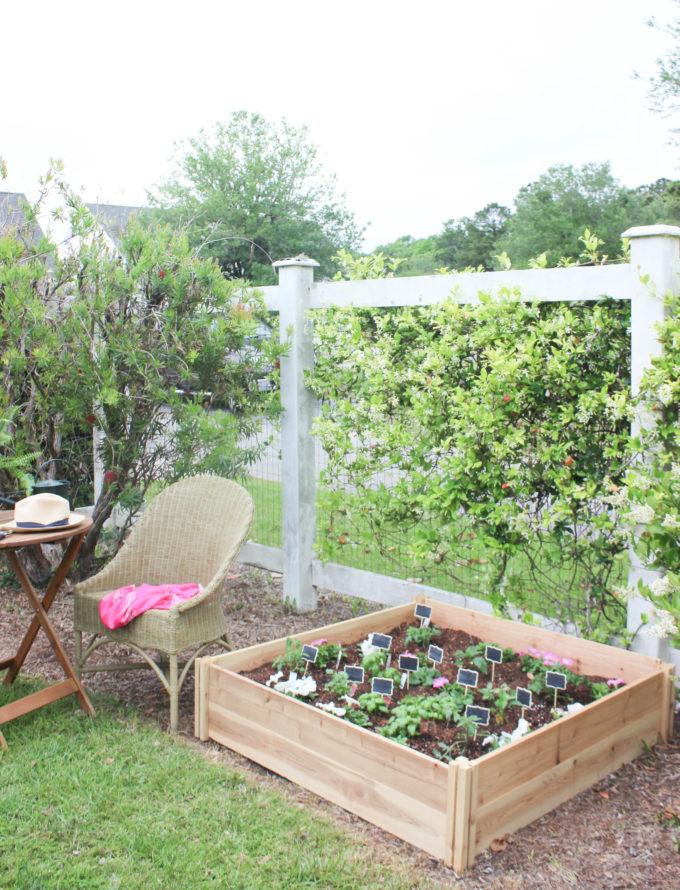 6 Ways to Create a Cozy Raised Garden Bed
