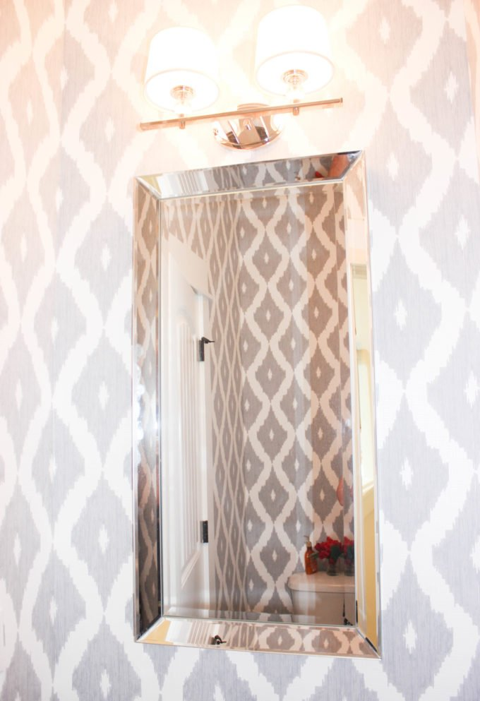 Detailed Guide On How to Wallpaper A Small Bathroom