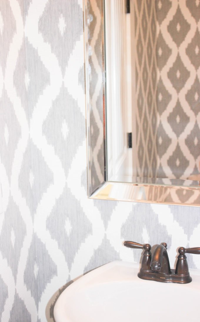 Best Wallpaper Tips For A Small Bathroom