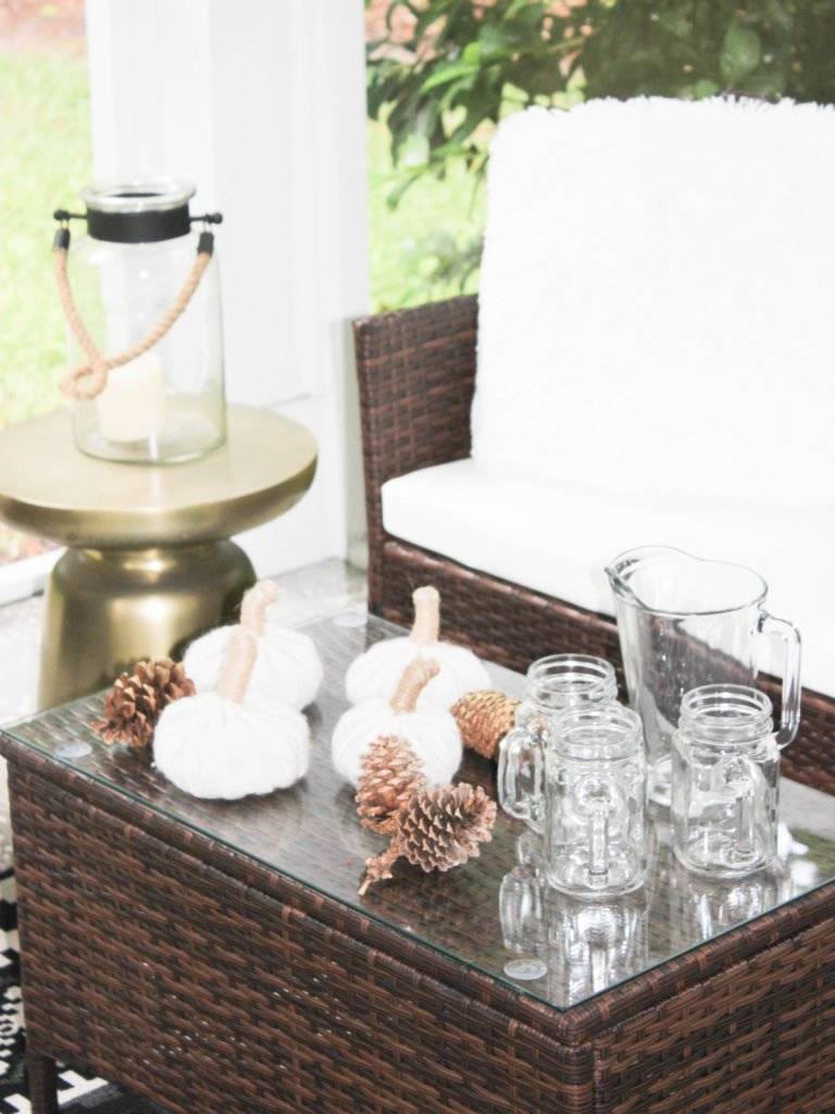 5 Tips For Creating Cozy and Warm Fall Patio Decor
