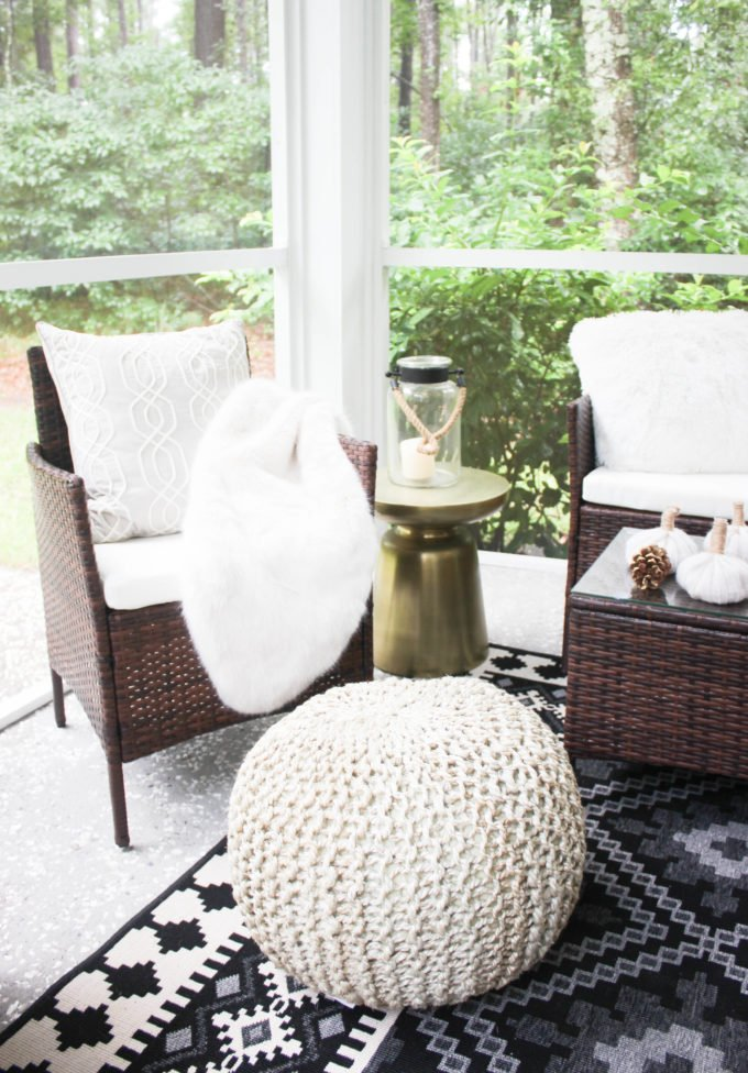 Here are 5  tips for creating cozy fall patio decor.