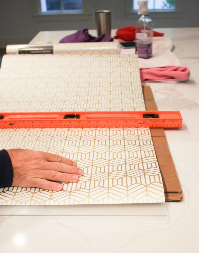 Cutting wallpaper:3 Easy Steps Using Wallpaper As Drawer Liners