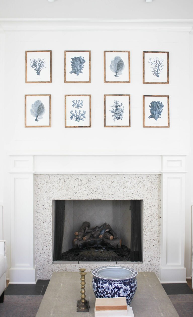 How to  Arrange  Framed Prints On The Wall.