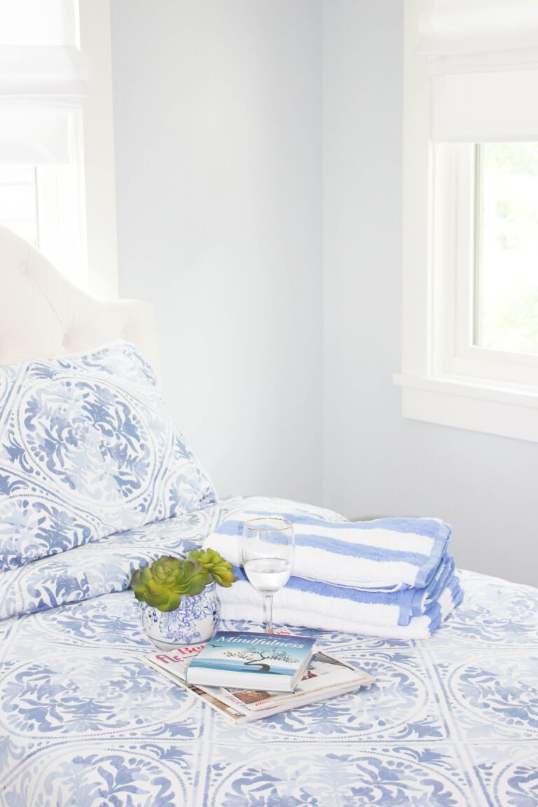 5 Simple Blue Decor Ideas To Refresh Your Bedroom