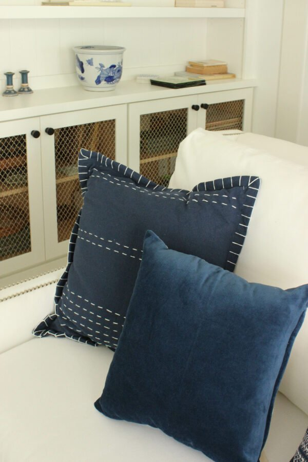 dark blue pillow for fall: Refresh Your Living Room For The Fall Using Non-Traditional Colors