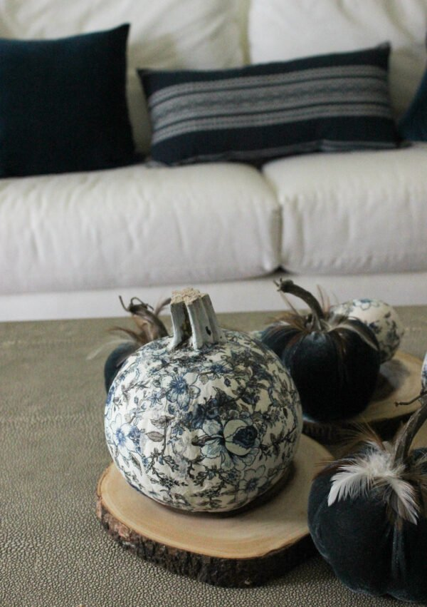 blue and white chinoiserie pumpkins for fall: Refresh Your Living Room For The Fall Using Non-Traditional Colors