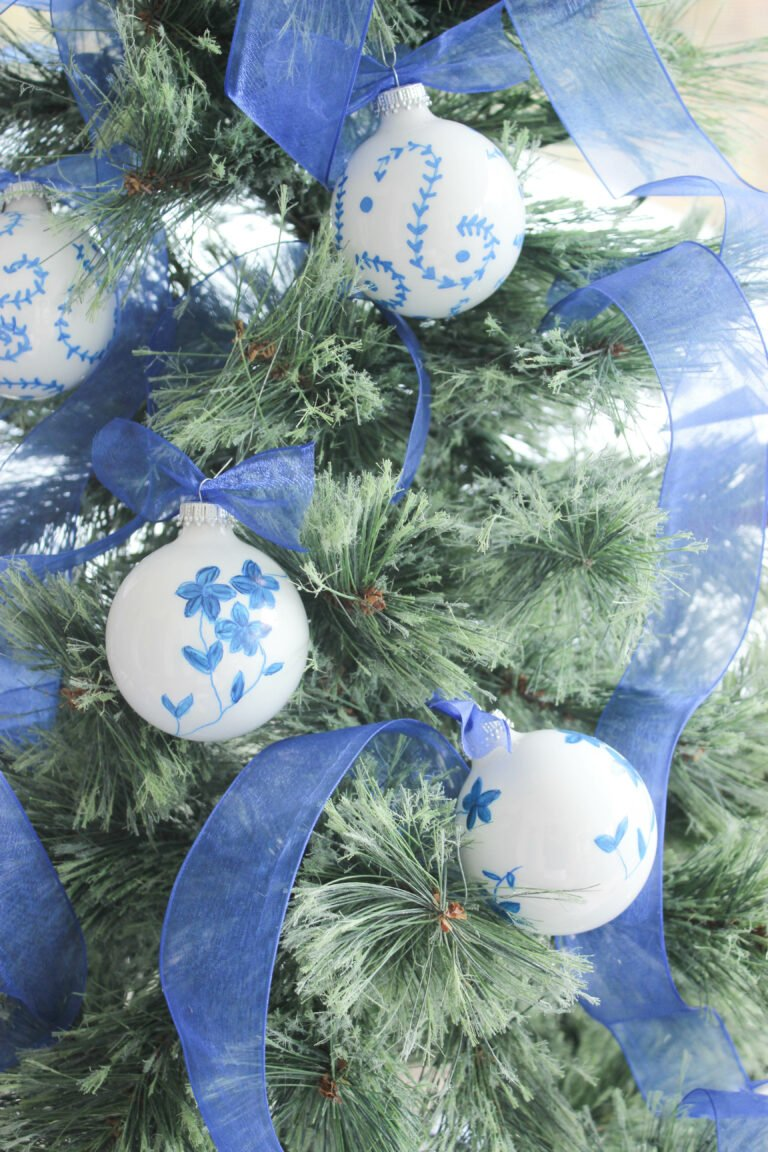 How to Create a Blue and White Chinoiserie Holiday Tree