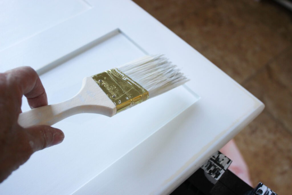 Painting the edges: 5 Tips On Painting Laundry Room Cabinets: Week 2
