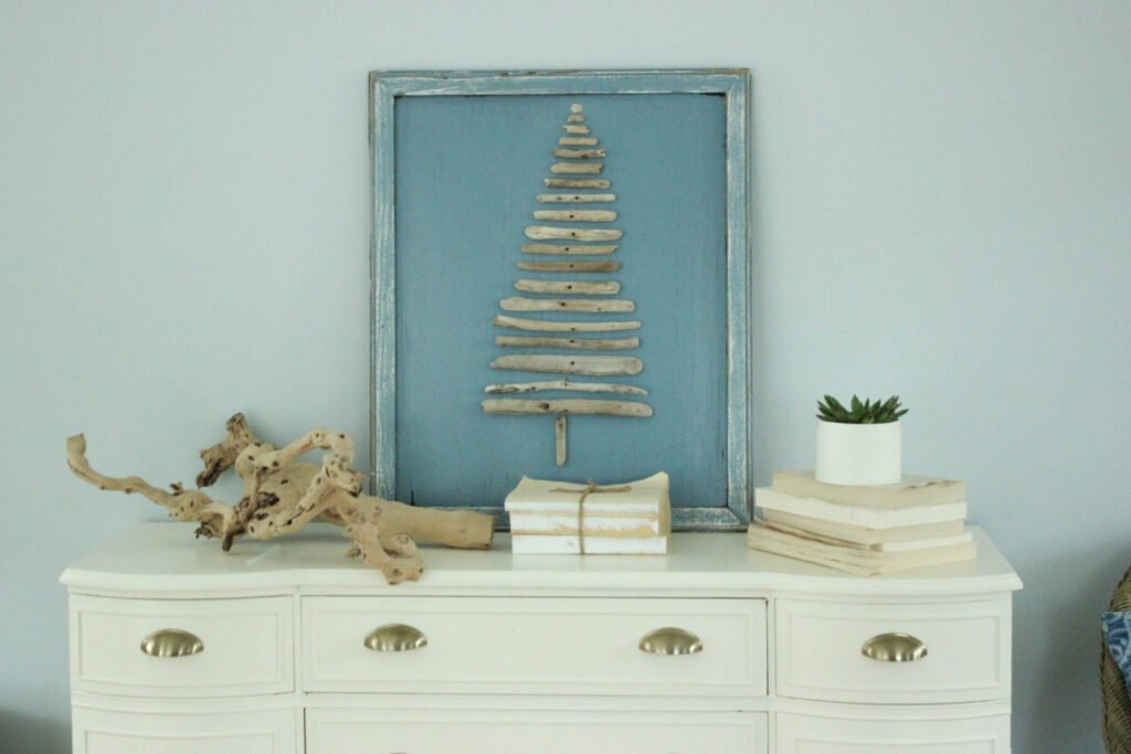 Driftwood Christmas Tree craft On dresser:How To Make A Driftwood Christmas Tree Craft