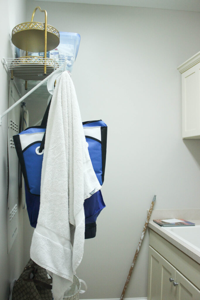 Wired shelving: Diy Laundry Room Makeover On A $100 Budget