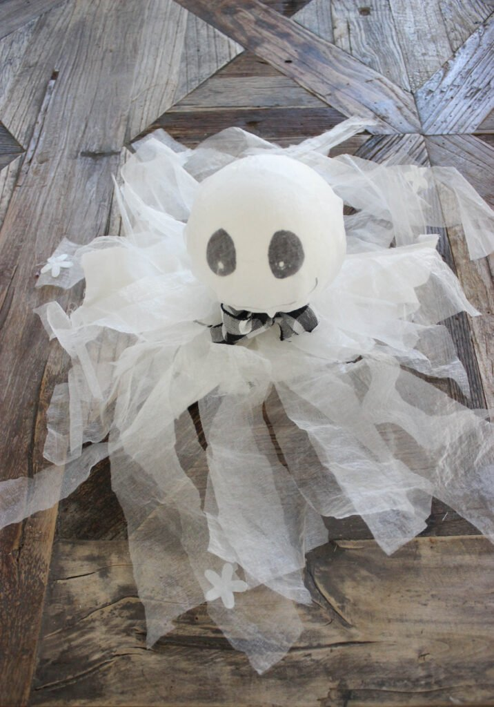 Halloween ghosts: How To Make Halloween Hanging Ghosts Decorations