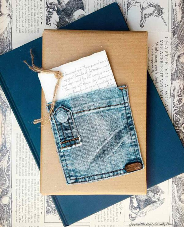 Demin wrapping paper:17 Holiday Recycled Gift Wrapping Ideas