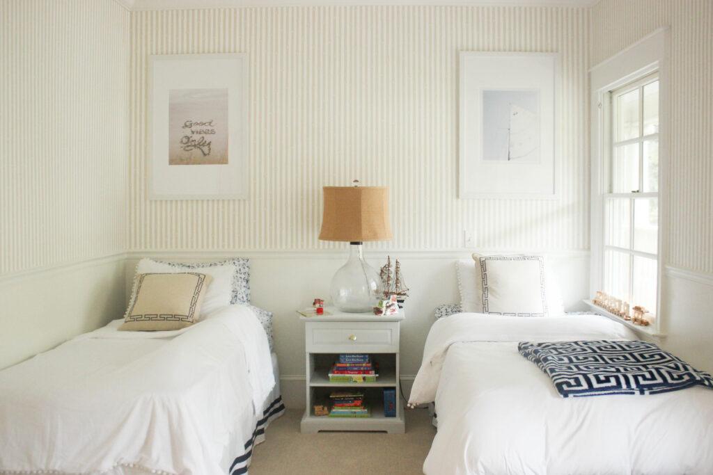 wallpaper ideas for boy bedroom:gender neutral wallpaper