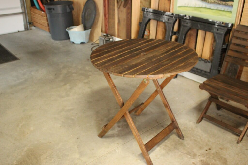 Staining outdoor table:How To Refinish Outdoor Wood Furniture