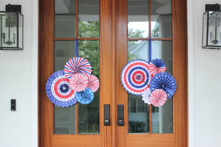 How To Make Fourth of July Pinwheel Paper Wreath