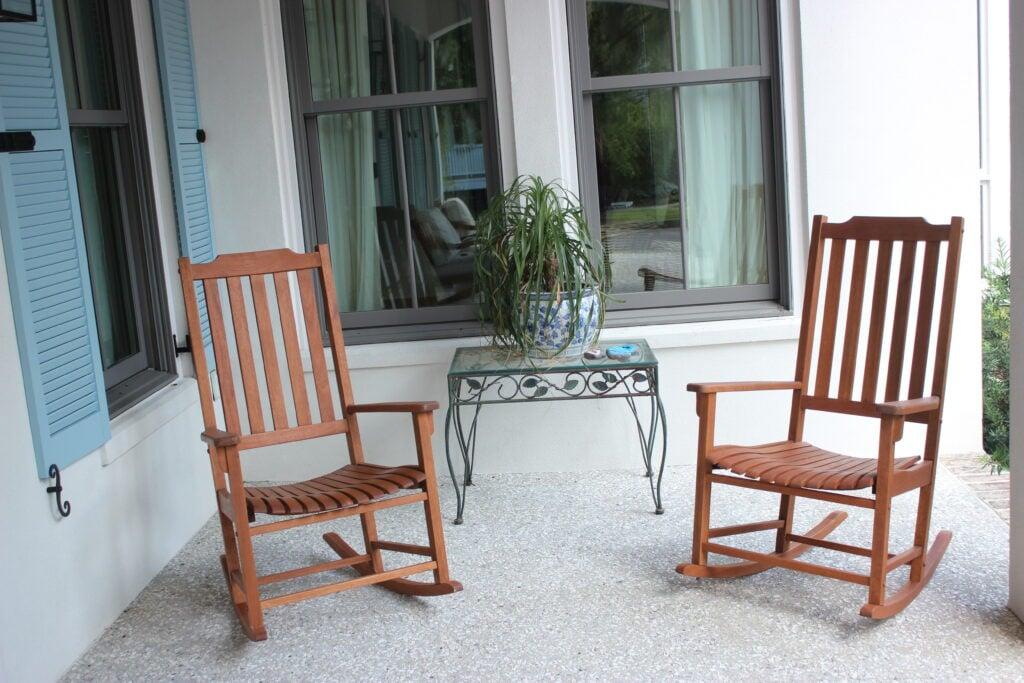 Americana resort rockers:outdoor furniture ideas